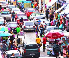 Onde comprar roupas no atacado em Goiânia